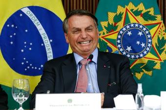 IMAGEM: Bolsonaro sem medo de ser feliz