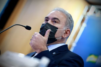 IMAGEM: Queiroga volta a criticar obrigatoriedade do uso de máscara