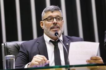 Frota entra com pedido de cassação de Daniel Silveira