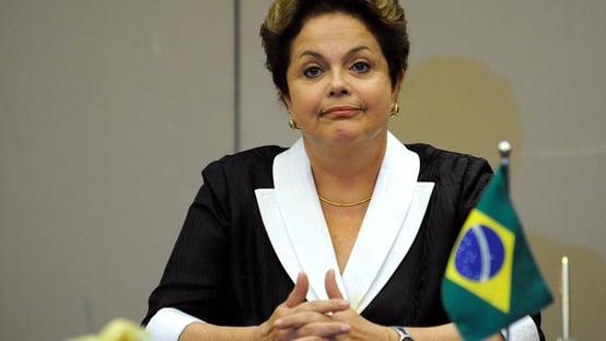 Ciro mina Lula tirando Dilma do esquecimento