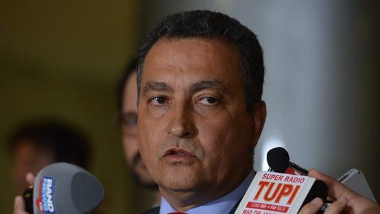 Com salários congelados, governo da Bahia gasta R$ 600 mil com cachês de show