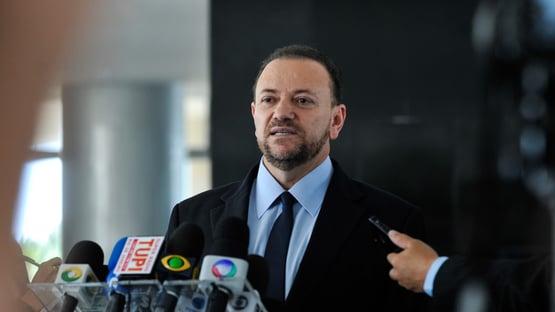 Bolsonaro humilha as pessoas, diz prefeito de Araraquara