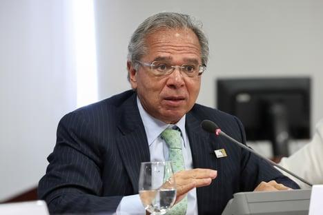 """Equipe econômica está """"absolutamente tranquila"""", diz Guedes"""