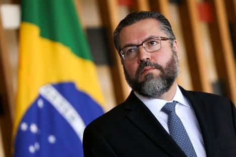 Bolsonaro visitará árabes