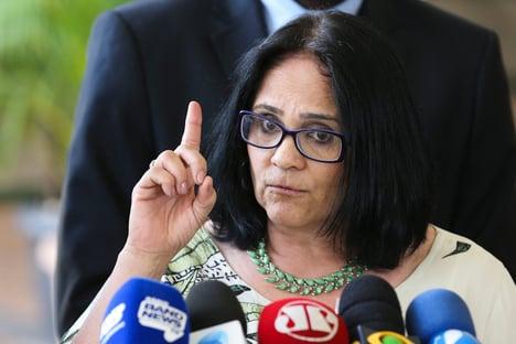 MP sobre ensino domiciliar deve ser publicada em 10 dias, diz Damares