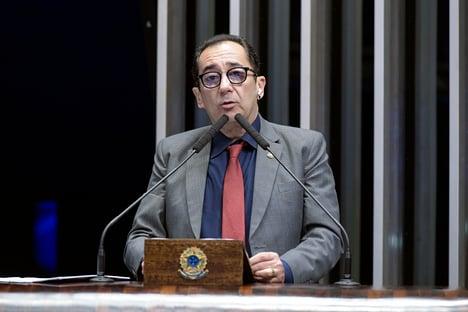 Freire elogia Moraes e desautoriza Kajuru