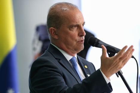 Bolsonaro demite assessor de imprensa de Onyx que soltou nota sobre permanência de Santini