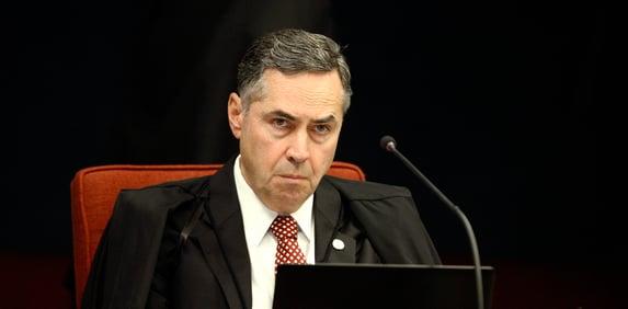 Barroso: Judiciário não pode ser protagonista contra as fake news