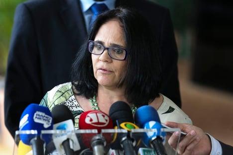 Damares diz que Brasil está preocupado com perseguição a cristãos