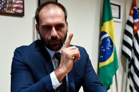 Eduardo Bolsonaro critica possível ida de deputado do DEM para o PSL
