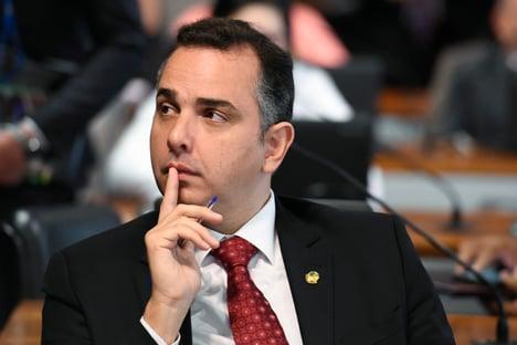 A rasteira de Bolsonaro em Alcolumbre
