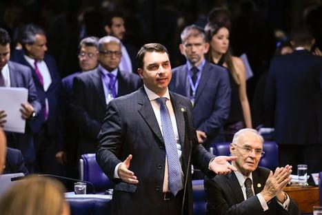 Flávio Bolsonaro vai a Palmas