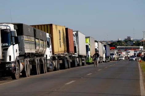 Em ofício, caminhoneiros autônomos demonstram preocupação com o preço do diesel