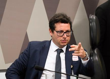 Major Olímpio quer derrubar convocação de Wajngarten para comissão no Senado
