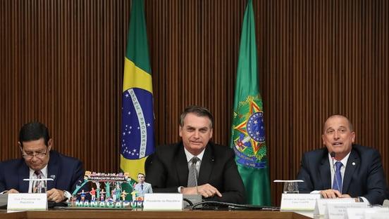 Bolsonaro, o povo e o Exército