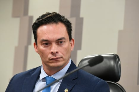 """Styvenson compara Senado a """"chiqueiro"""" e provoca revolta dos colegas"""