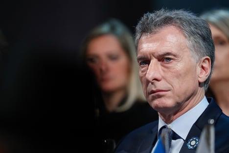 Macri entrega economia a Fernández com reservas maiores e déficit menor