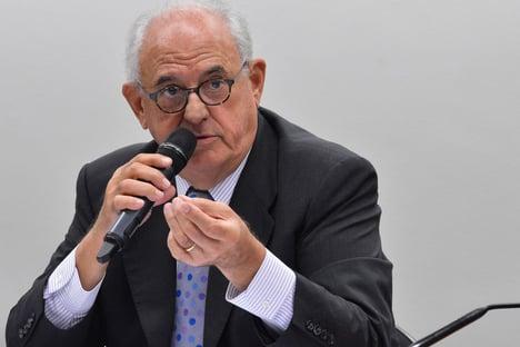 Ex-presidente do TSE critica proposta de urna eletrônica com voto impresso