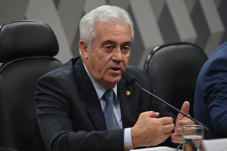 """""""Não estou nem aí para o governo, não tenho satisfação a dar a Fábio Faria"""", diz líder do PSD no Senado"""