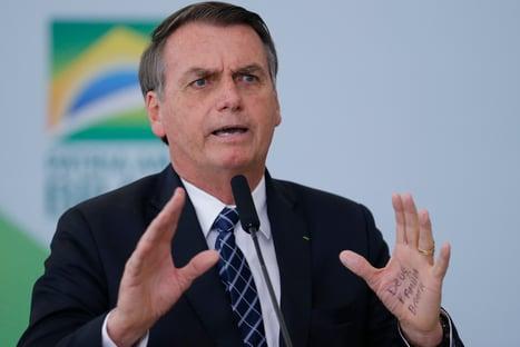 """Bolsonaro diz que não quer """"irmãos argentinos fugindo"""" para o Brasil"""