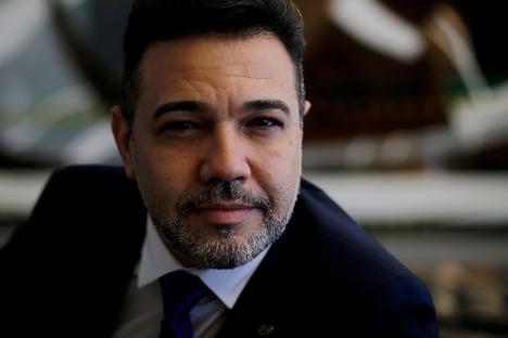 """Feliciano cobra sabatina de Mendonça: """"Não somos palhaços"""""""
