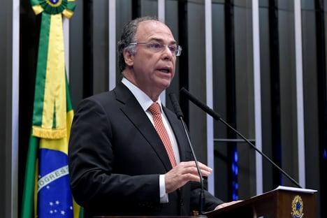 Líder do governo Bolsonaro no Senado, Bezerra declara voto em Simone