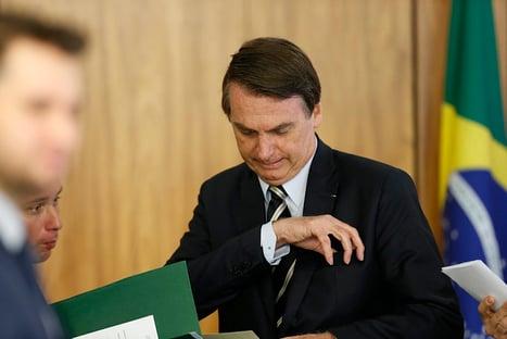 """Bolsonaro: """"Se não aprovar, não tem problema. A caneta é minha, não tem mais GLO"""""""