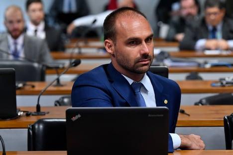 Eduardo Bolsonaro agora quer CPI das urnas eletrônicas