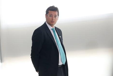 Senadores planejam pedir a quebra de sigilos telefônico e telemático de Fabio Wajngarten