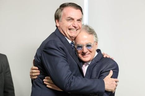 """Otávio Mesquita defende Bolsonaro: """"Não podemos e não vamos parar o país"""""""