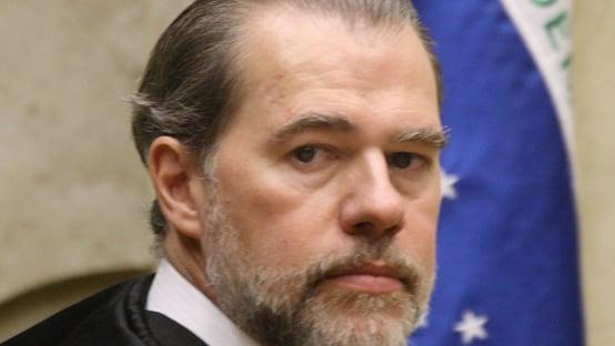 Toffoli autoriza posse de deputado preso na Furna da Onça