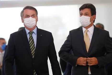 Bolsonaro deve demitir Mandetta ainda hoje, diz jornal