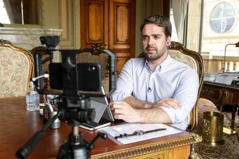 Mirando as prévias do PSDB, Eduardo Leite também vai viajar