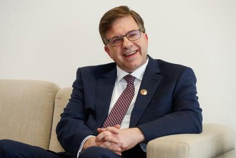 Embaixador dos EUA diz que Brasil pode receber mais doações de vacinas