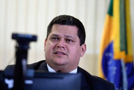 Associação pede para que Alcolumbre seja investigado por prevaricação
