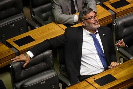 """""""Bolsonaro vai fazer Ricardo Barros de boi de piranha"""", diz Frota"""