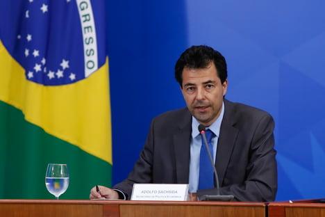 Equipe de Guedes apostou em imunidade de rebanho, diz jornal