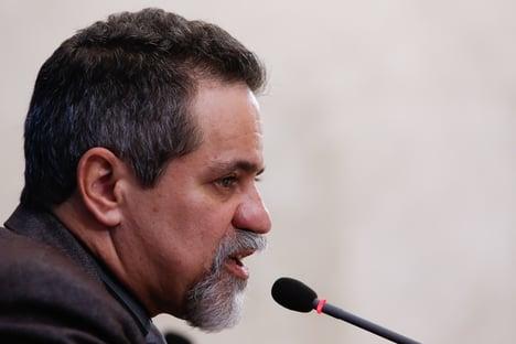 """""""Ministério tem pressa e sente angústia"""", diz sub de Pazuello"""
