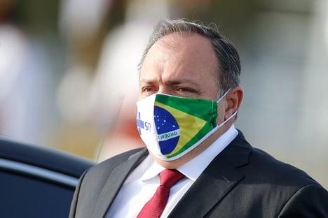Brasil está 8 anos atrás na pesquisa sobre genoma, diz Pazuello