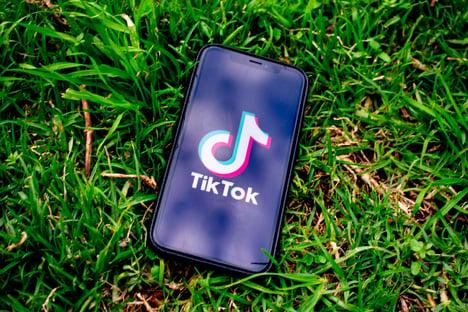 Índia proíbe 59 aplicativos chineses, como TikTok e WeChat