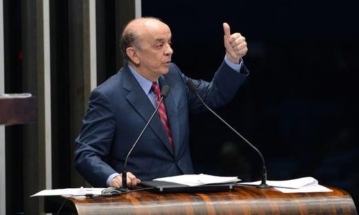 José Serra recebe alta