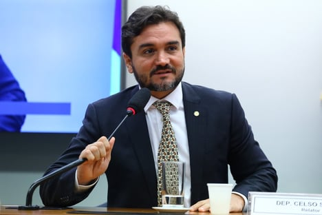 Tucano aliado de Lira dá nova dor de cabeça ao PSDB
