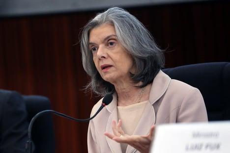 Cármen Lúcia dá 48 horas para governo se explicar sobre nota de R$ 200