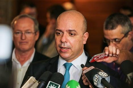 Secretário de produtividade do Ministério da Economia está com Covid