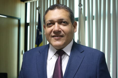 1 X 1 – Nunes Marques vota a favor do marco temporal e Moraes pede vista