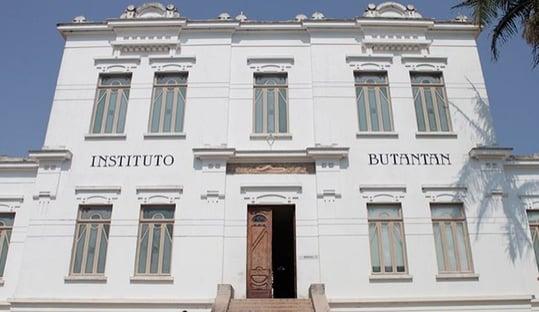 Butantan diz ter sido surpreendido com interrupção de testes da Coronavac