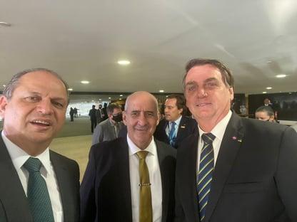 """Bolsonaro """"não interferiu e está quieto"""" sobre deputado preso"""