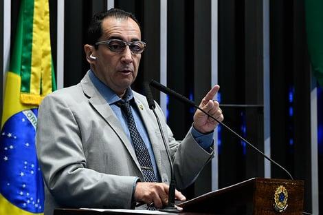 """Reforma de Bolsonaro é para """"impedir qualquer tipo de discussão sobre impeachment"""", diz Kajuru"""