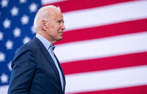 Biden recebe dossiê que recomenda suspender acordos entre EUA e governo Bolsonaro