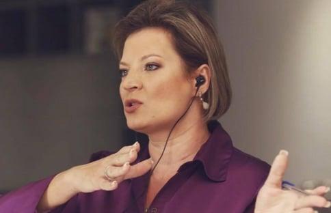 """Bolsonaro ataca o STF """"feito um animal irracional"""", diz Joice Hasselmann"""
